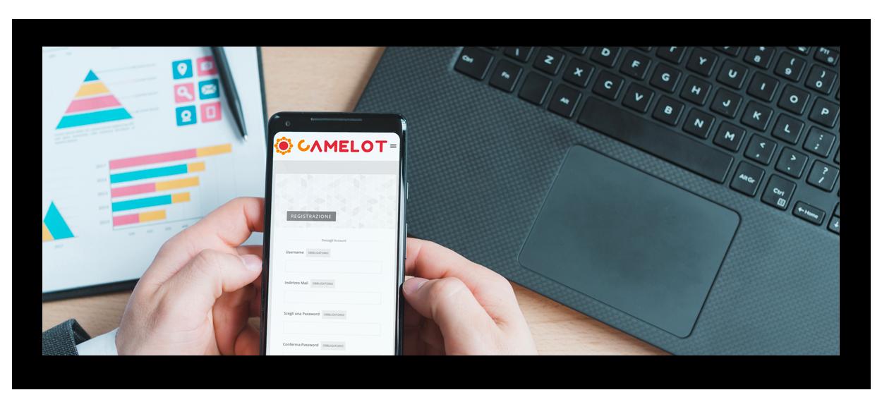 Utente naviga su HR Camelot su smartphone